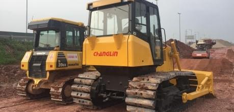 Toàn Phát bàn giao máy máy ủi D41P-5 cho khách hàng tại cao tốc Bắc Giang- Lạng Sơn - ĐẠI LÝ ĐỘC QUYỀN CHANGLIN KOMATSU VIỆT NAM